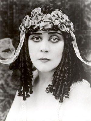 Актриси, які зіграли роль Клеопатри