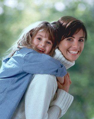 Чи буває багато батьківської любові?