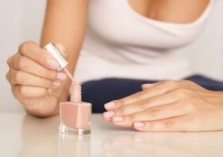 Як швидко висушити лак на нігтях