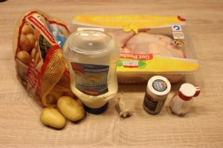 Курка з картоплею в духовці