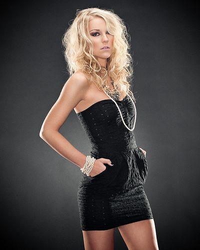З чим носити чорне плаття?