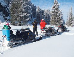 Тури на снігоходах по гірському Алтаю